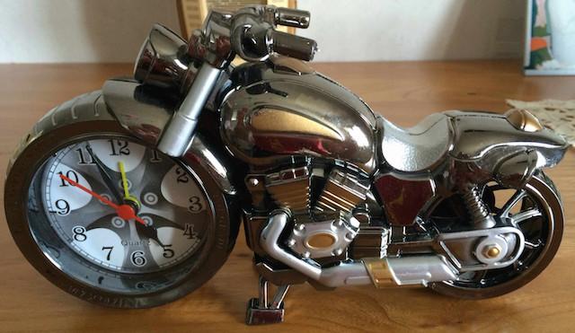 Horloge en forme de moto Horlog10