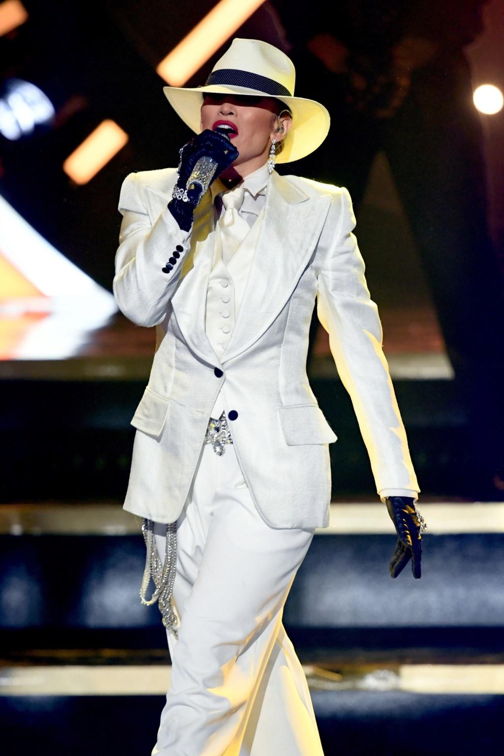 Jennifer Lopez 00-sto10