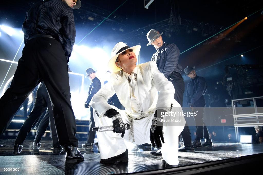 Jennifer Lopez 96067310