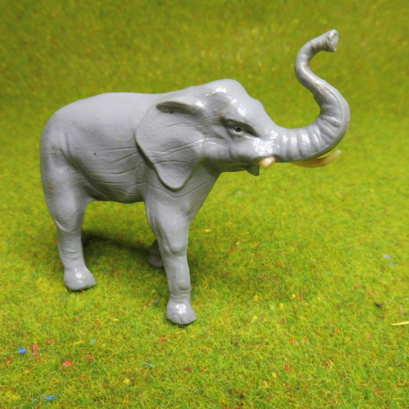 using WePAM paste to restore (or create!) figurines P1020411