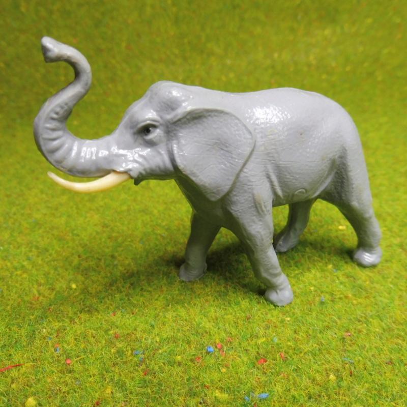 using WePAM paste to restore (or create!) figurines P1020412