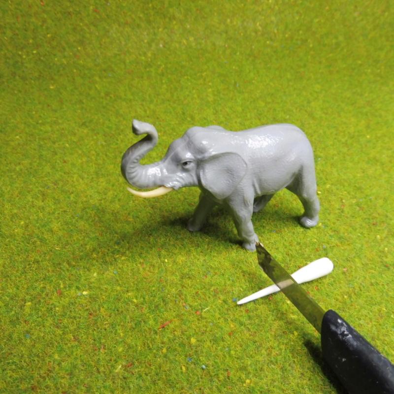 using WePAM paste to restore (or create!) figurines P1020416