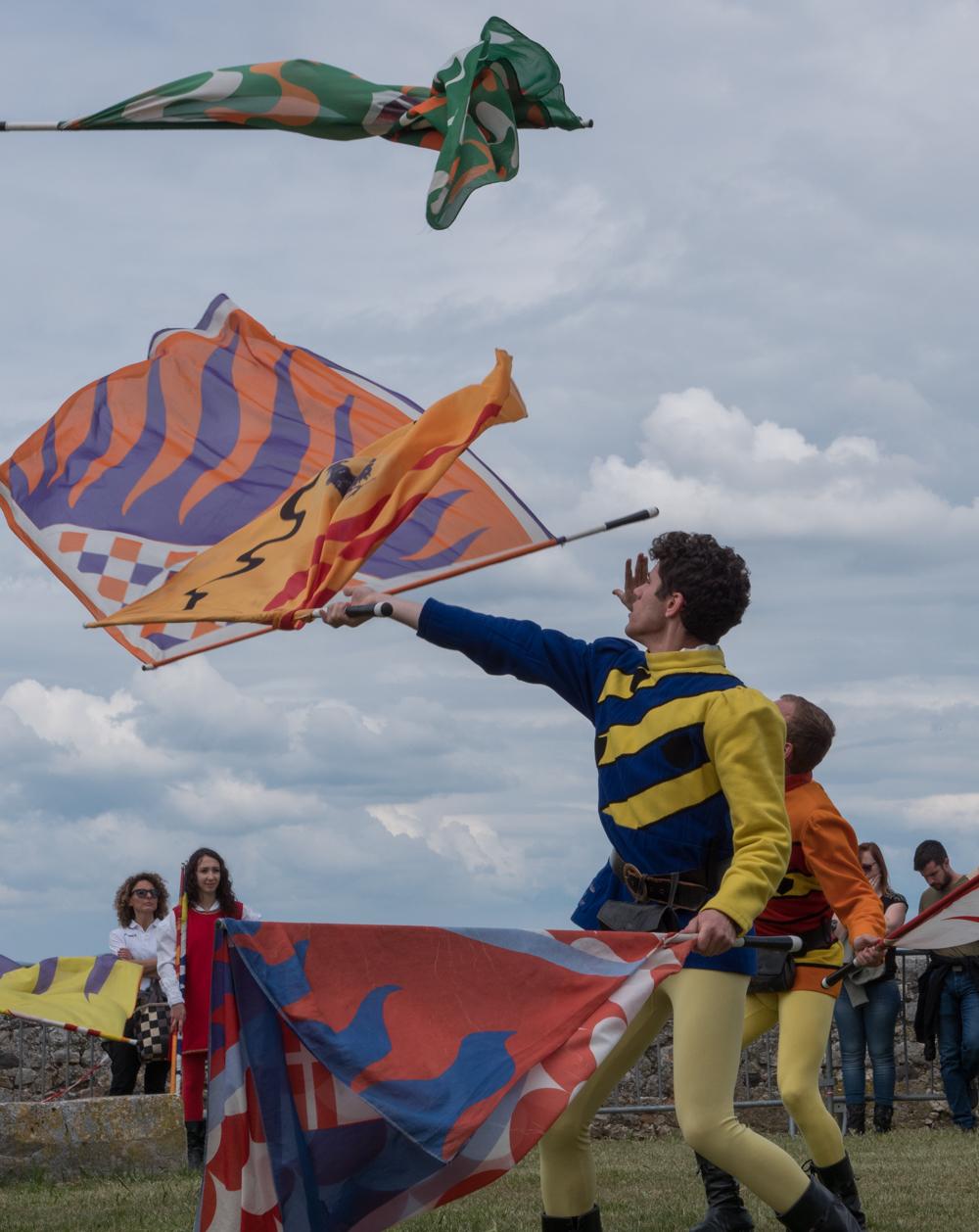 Lanceurs de drapeaux  Lanceu11