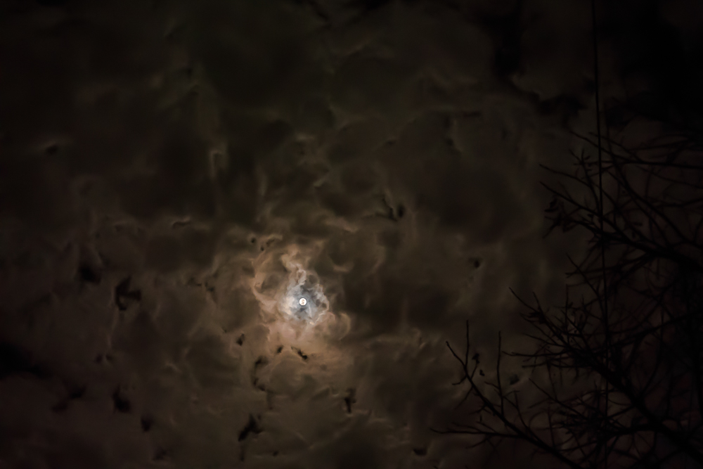 Trou blanc Moon11