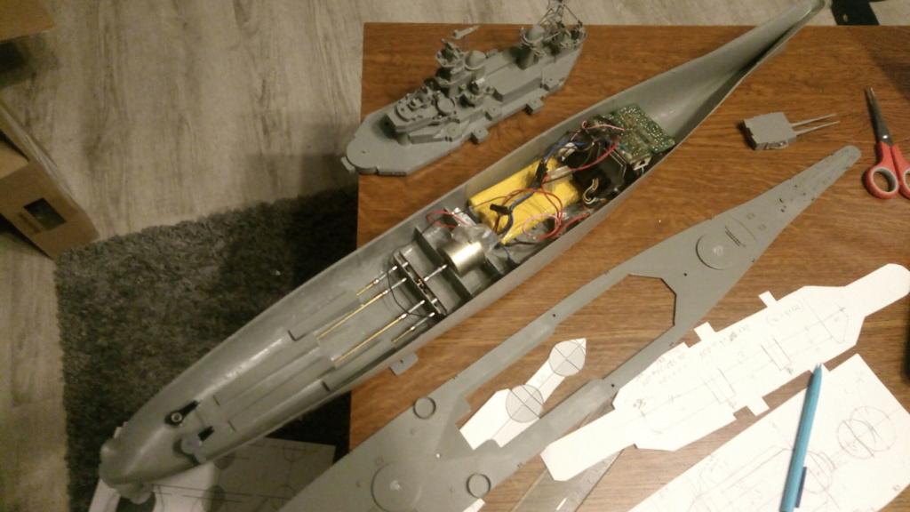 USS MONTANA maquette RC 1/400 P_201913