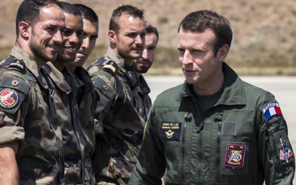 La voila le République en marche de Macron..... 71513810