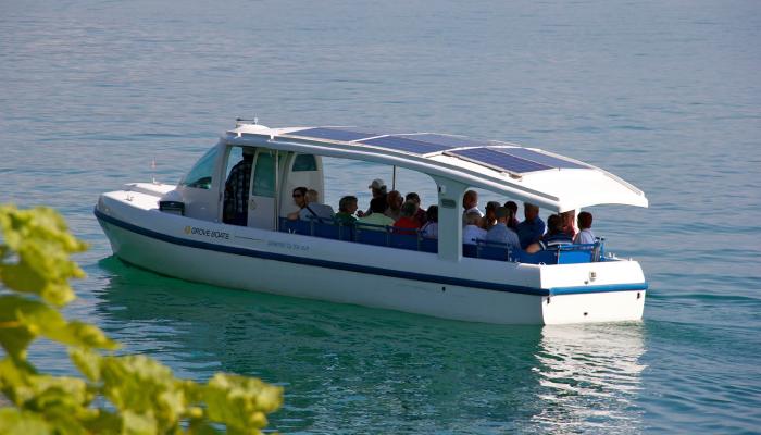 Bateau touristique solaire Aquarel (scratch navigant 1/10°) de Philippe53 14328311
