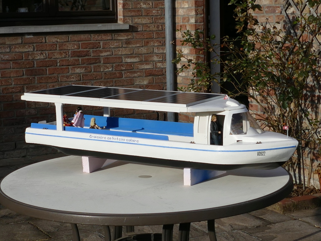 Bateau touristique solaire Aquarel (scratch navigant 1/10°) de Philippe53 P1110259