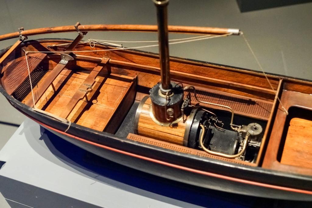 Identification d'un modèle - barque à vapeur Barque12