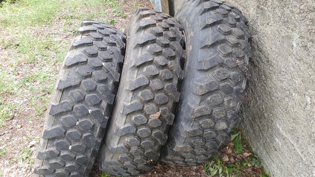 Quels pneus 21689510