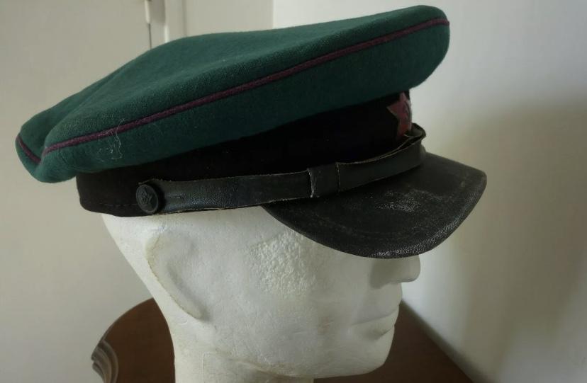 Casquette de garde frontière soviétique copie ? D5780f10