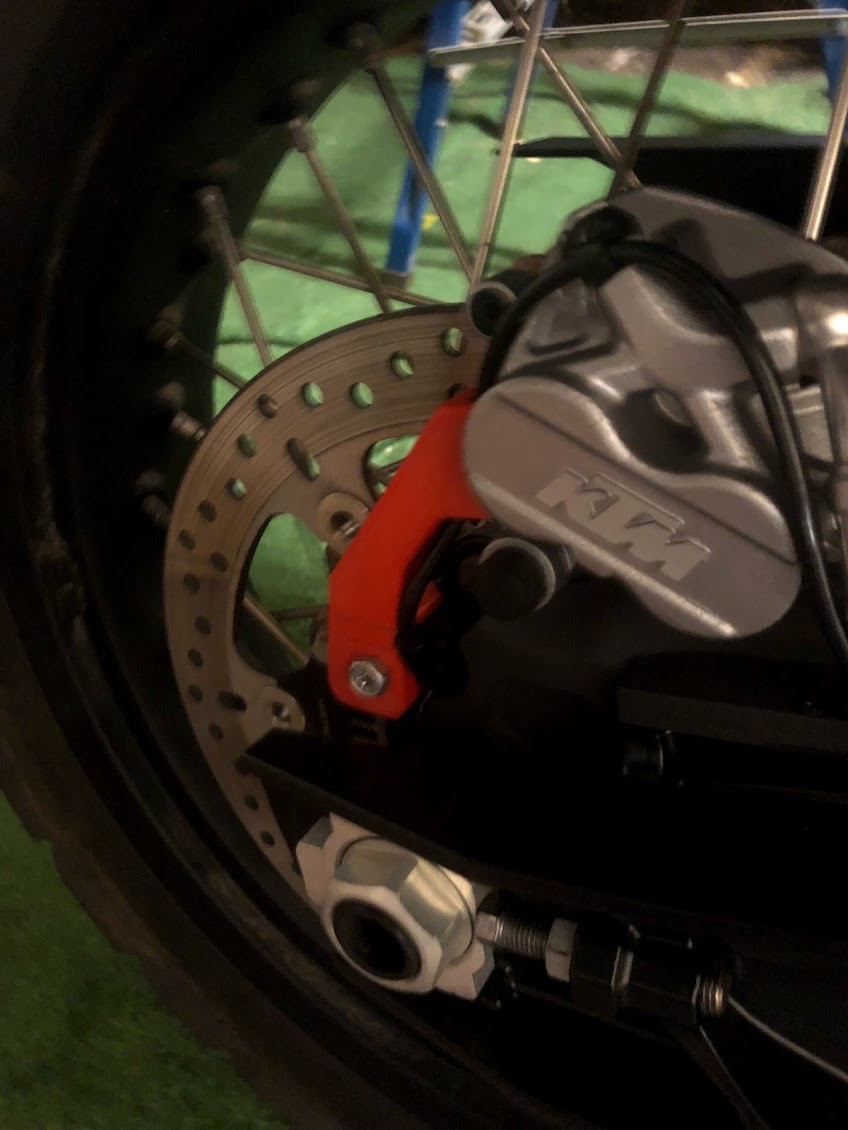 Protection du Capteur ABS arrière Img_6010