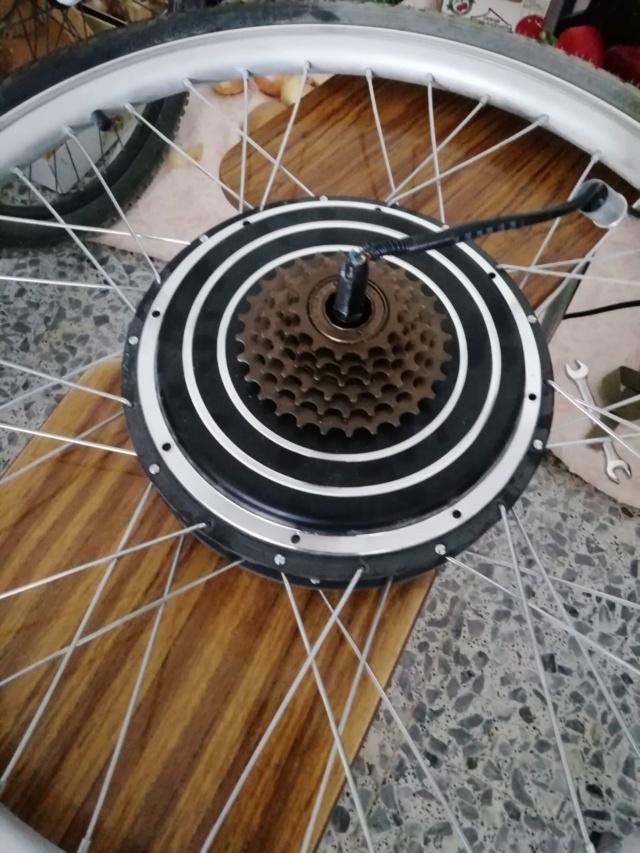 Cable roto junto al eje de la rueda Photo613