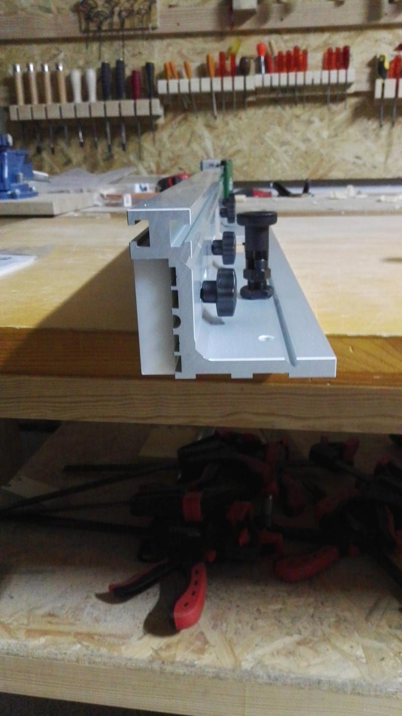 J'ai fait une folie, une table pour defonceuse CMT Img_2065