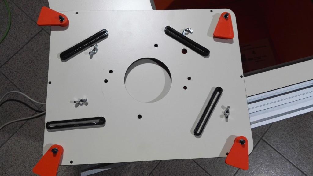 J'ai fait une folie, une table pour defonceuse CMT Img_2087