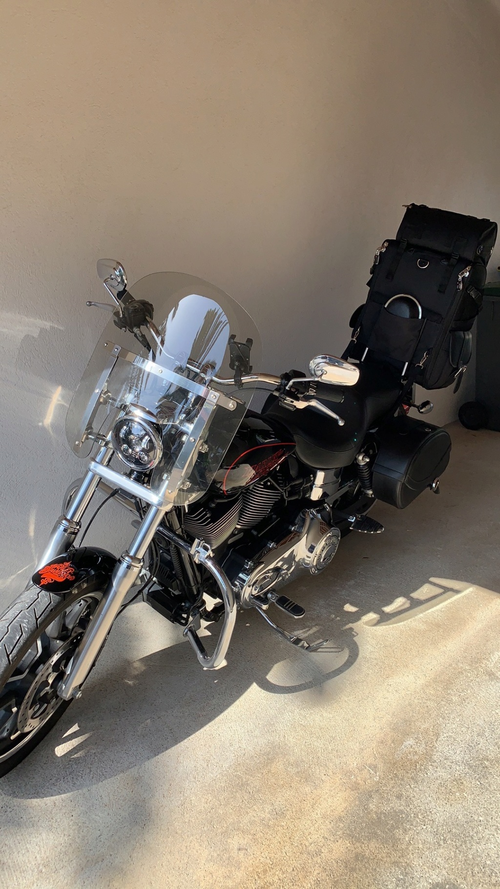 Quel sac pour Sissy bar ? - Page 2 Img_4011