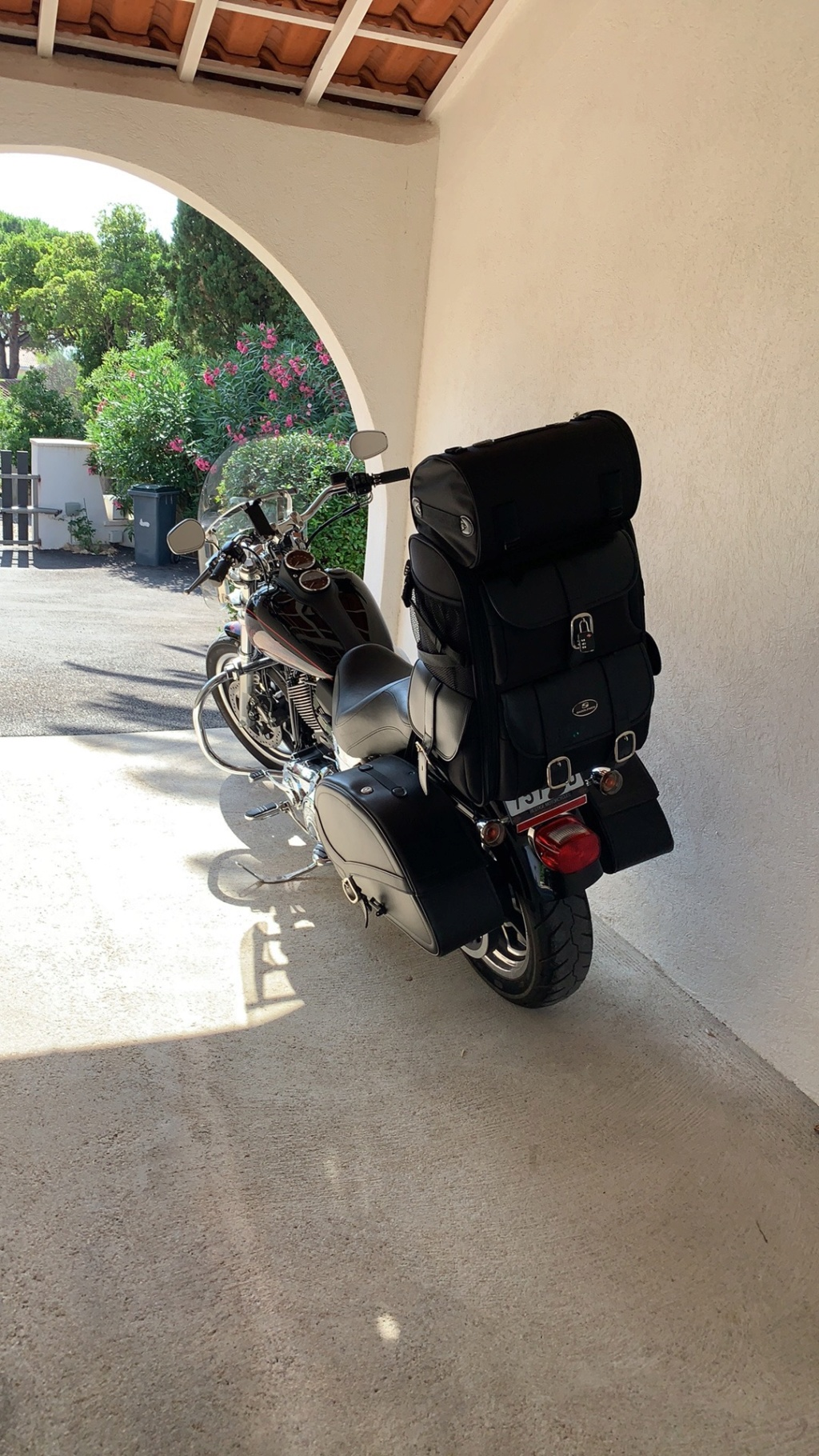 Quel sac pour Sissy bar ? - Page 2 Img_4012