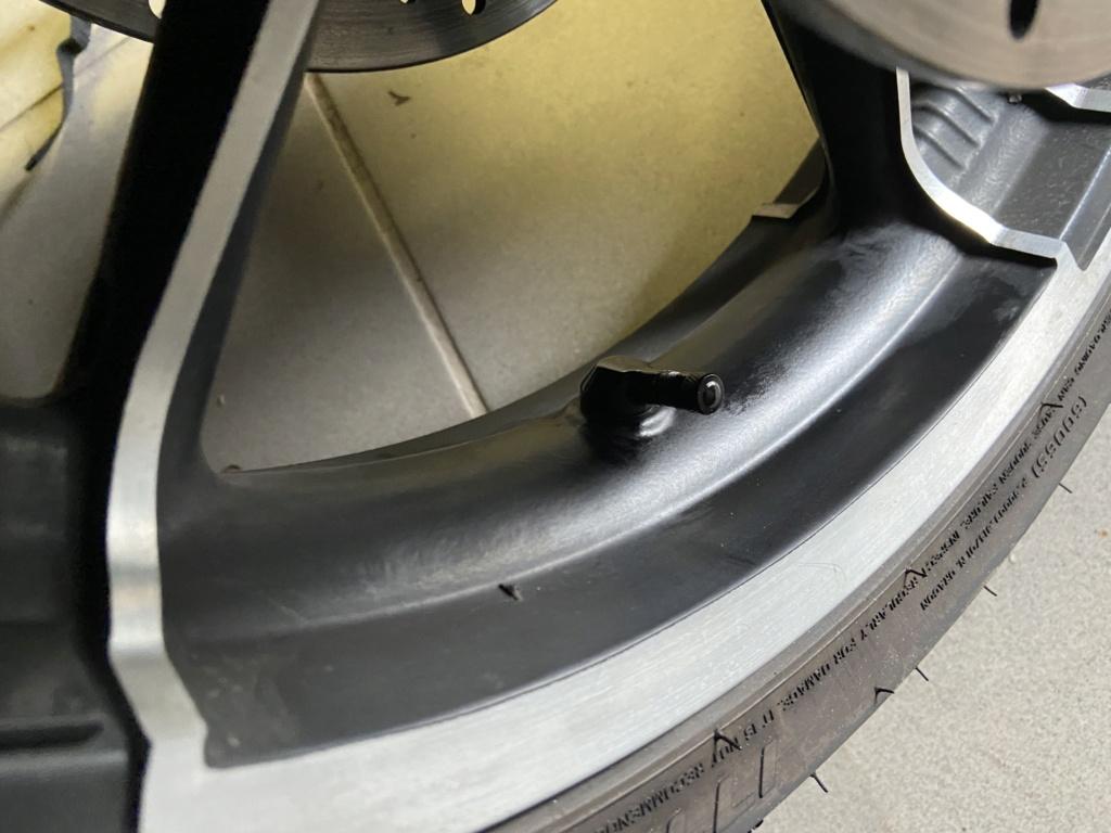 Pression des pneus sur une Dyna fatbob Img_6114