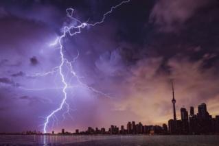 تفسير حلم صوت الرعد و تساقط الامطار | تفسير حلمك مع احمد رضا | تفسير الاحلام Pexels14