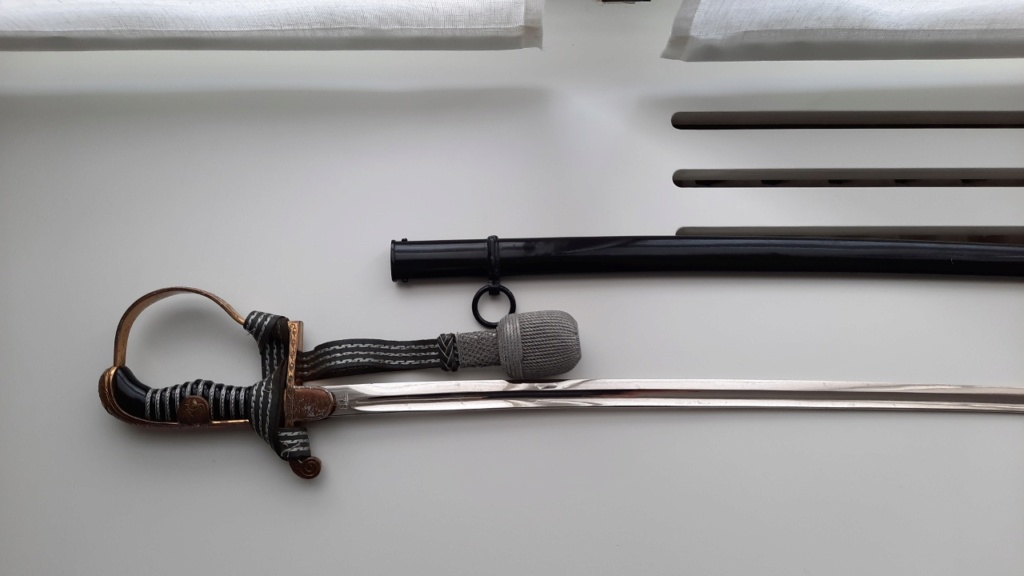 """Epée officier HEER Eickhorn – Modèle N° 1747 – """"Lutzow"""" 20201347"""