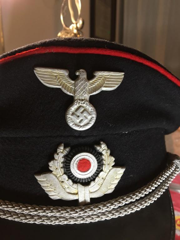 Schirmmütze allemande à identifier  05509a10