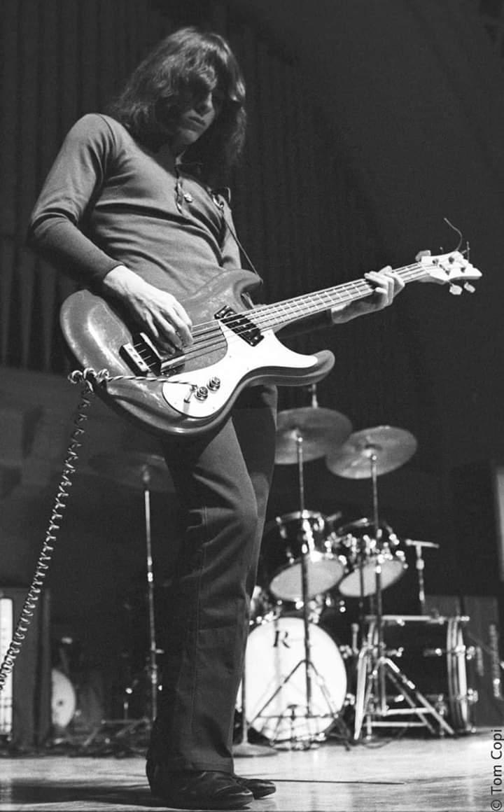 Iggy's bass players Fb_img20