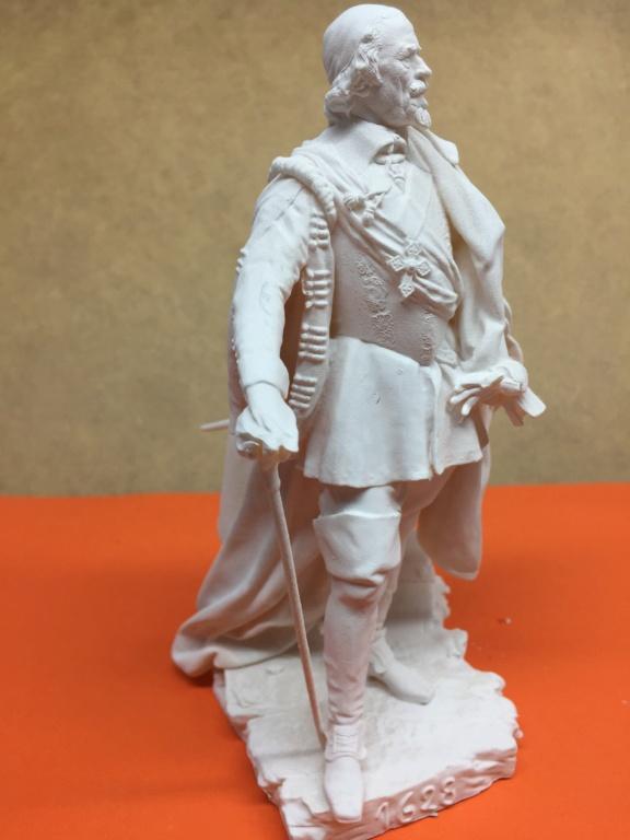 Armand Jean du Plessis Duc de Richelieu échelle libre Résine 3D ( 12cm ) Terminé Img_6910
