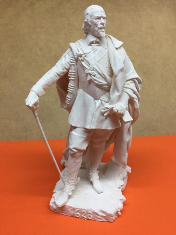 Armand Jean du Plessis Duc de Richelieu échelle libre Résine 3D ( 12cm ) Terminé Img_6912
