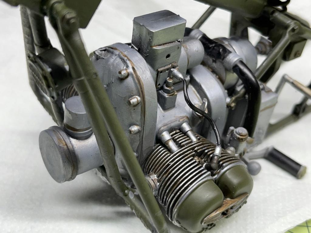 Pilote BMW R75 avec motocyclette au 1/9  Impression en résine  Img_7910