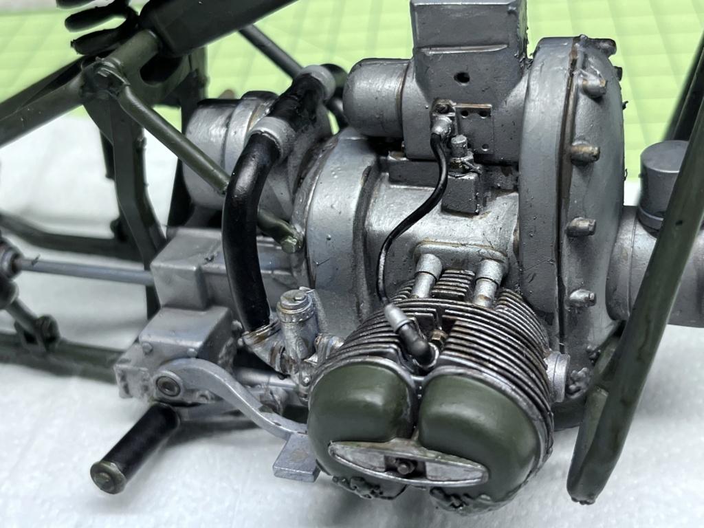 Pilote BMW R75 avec motocyclette au 1/9  Impression en résine  Img_7911