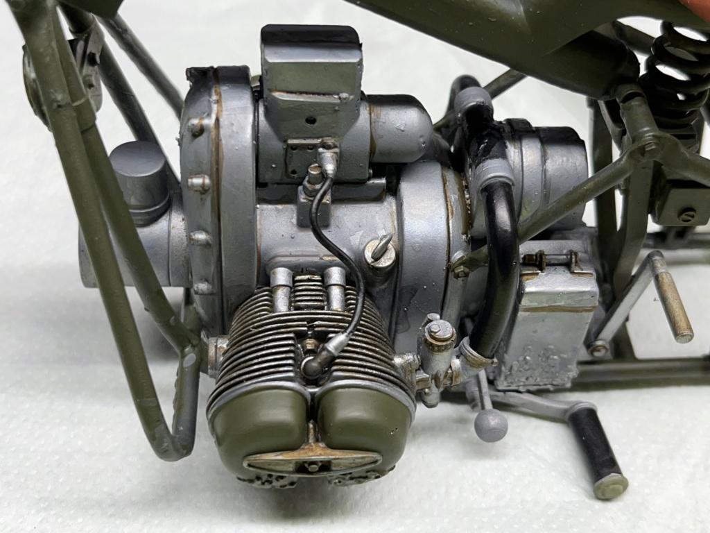 Pilote BMW R75 avec motocyclette au 1/9  Impression en résine  Img_7912