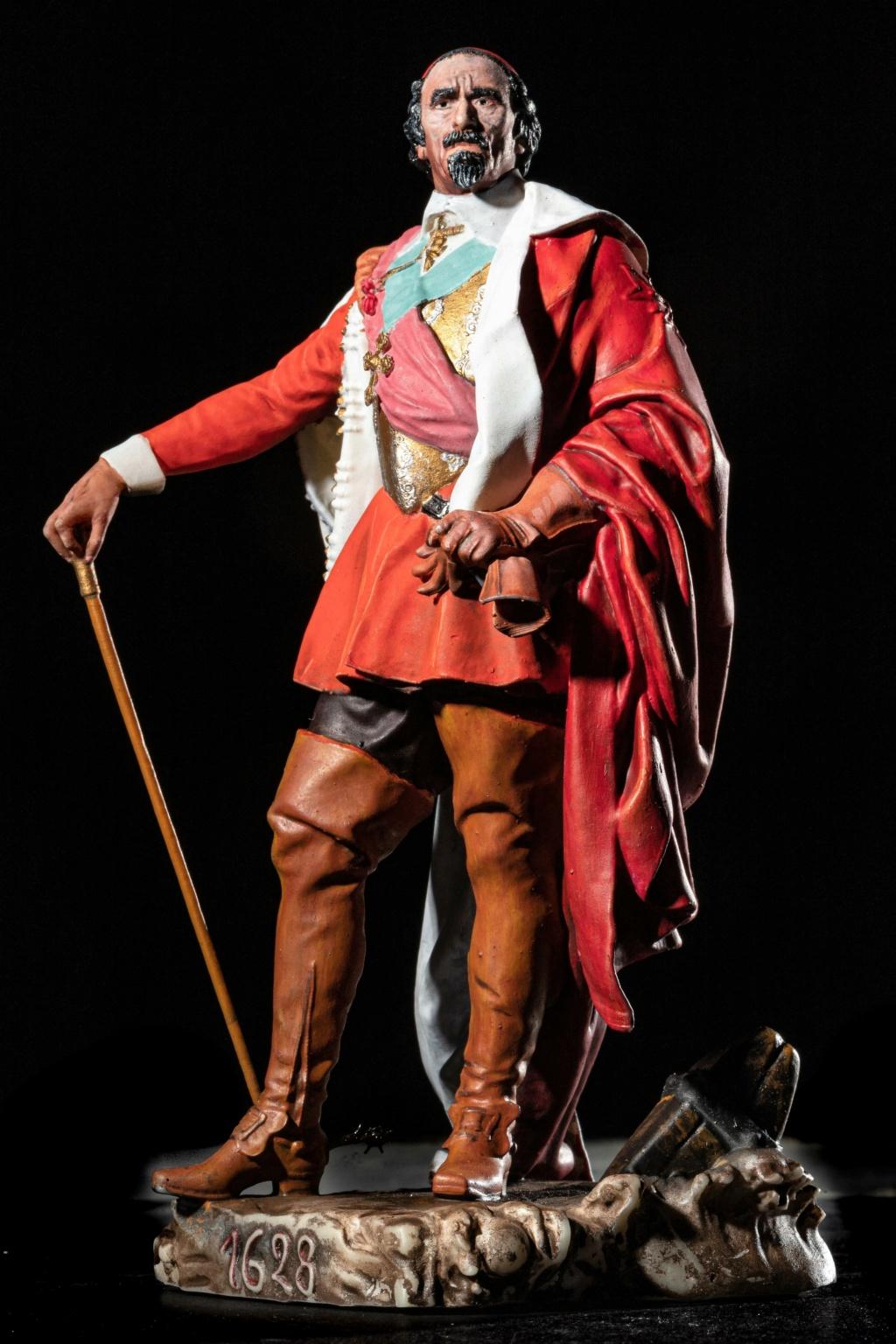 Armand Jean du Plessis Duc de Richelieu échelle libre Résine 3D ( 12cm ) Terminé - Page 2 Img_8310