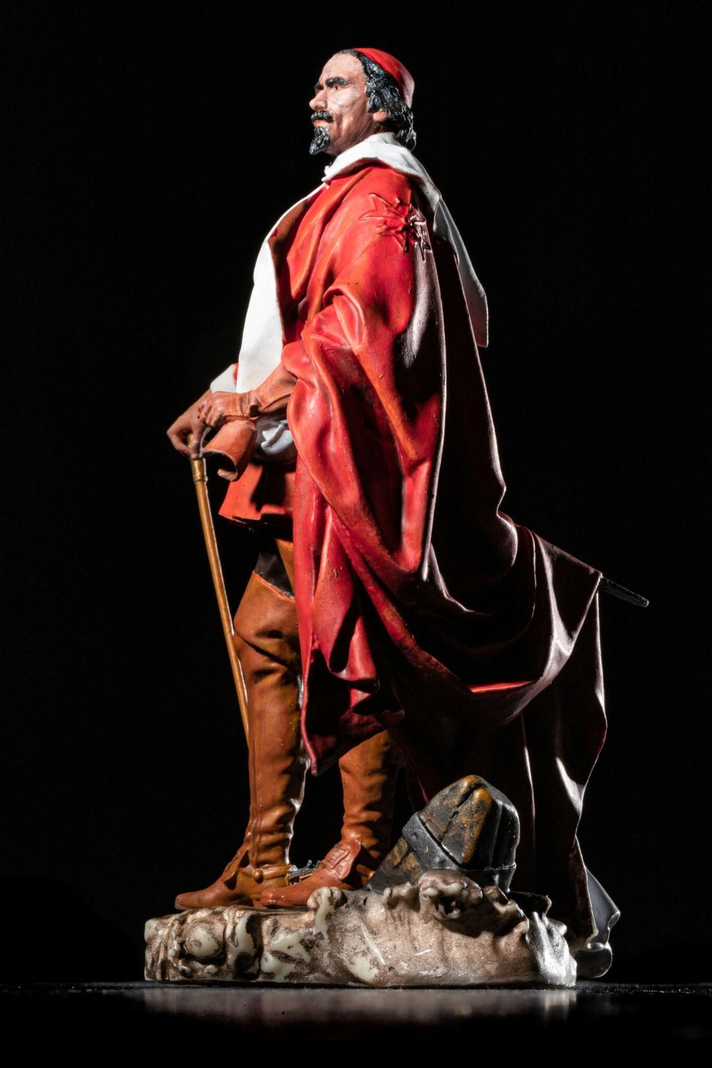 Armand Jean du Plessis Duc de Richelieu échelle libre Résine 3D ( 12cm ) Terminé - Page 2 Img_8410