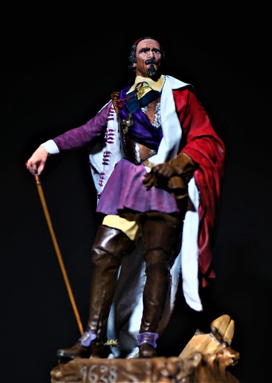 Armand Jean du Plessis Duc de Richelieu échelle libre Résine 3D ( 12cm ) Terminé Img_9012