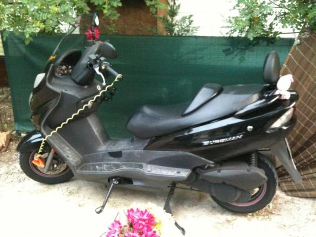 Vends Burgman 125 de 2006 Batman10