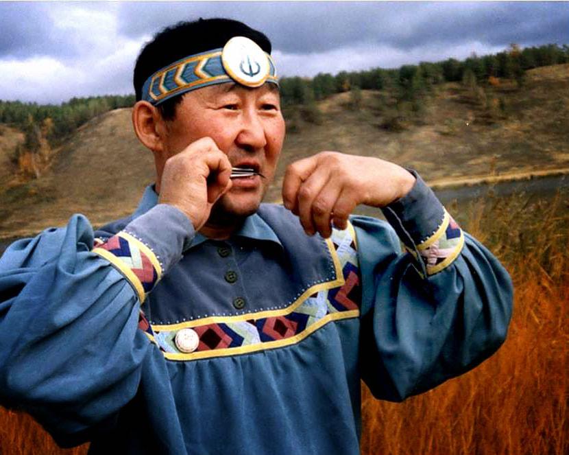 Concert chamanique avec Spiridon SHISHIGIN du peuple Sakha Spirid10