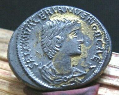 La fabrication des monnaies fourrées au 3e siècle Captur13