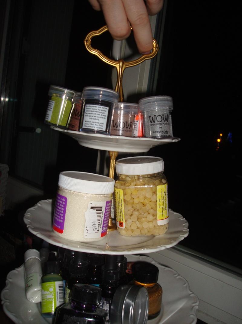 Sur un présentoir à gâteaux ! Dsc03617