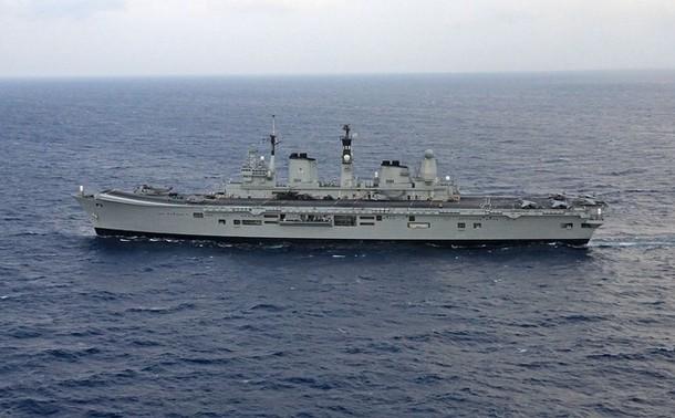 Aircraft Carriers (HMS Ark Royal & HMS Illustrious) - Page 2 610x12
