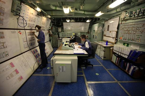 Aircraft Carriers (HMS Ark Royal & HMS Illustrious) - Page 2 610x19