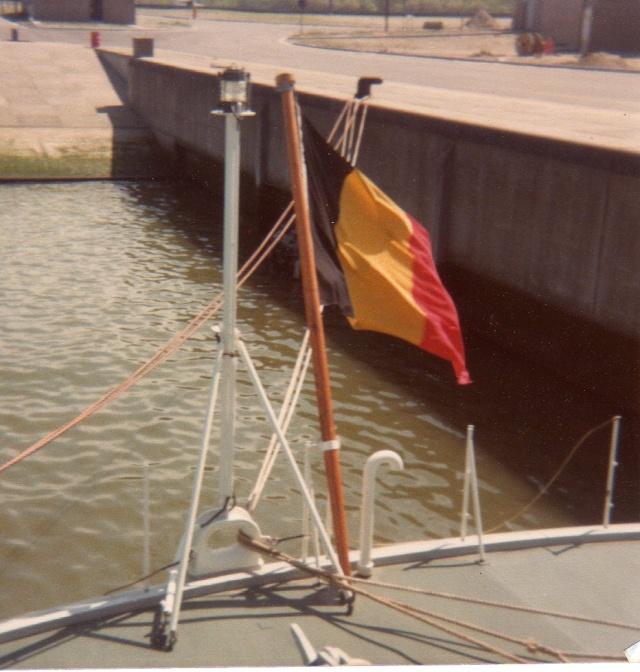 Mon pére à bord du F910 en 1977 - Page 3 Img04711