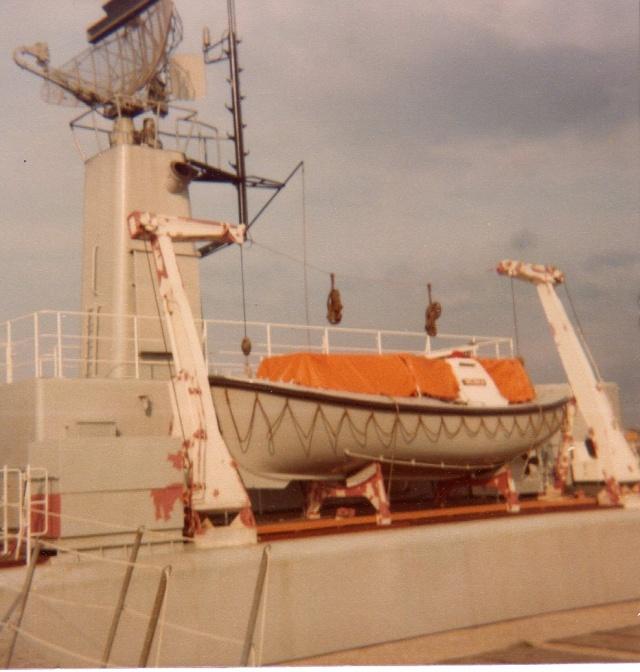 Mon pére à bord du F910 en 1977 - Page 3 Img05010