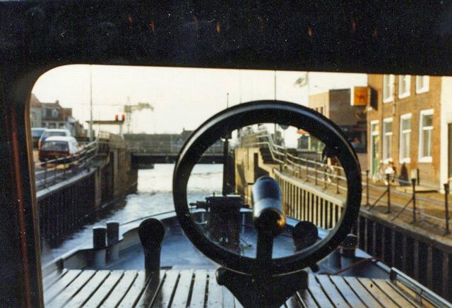 ESPADON (ex vedette fluvial DENDER) Scan0810