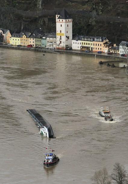Accidents et tempêtes en mer : les news - Page 5 X61015
