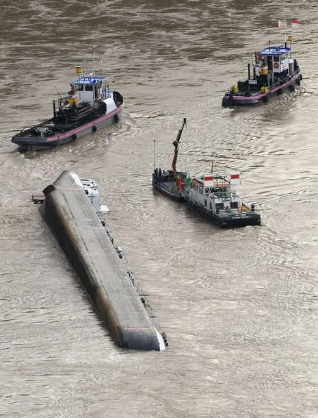 Accidents et tempêtes en mer : les news - Page 5 X61016