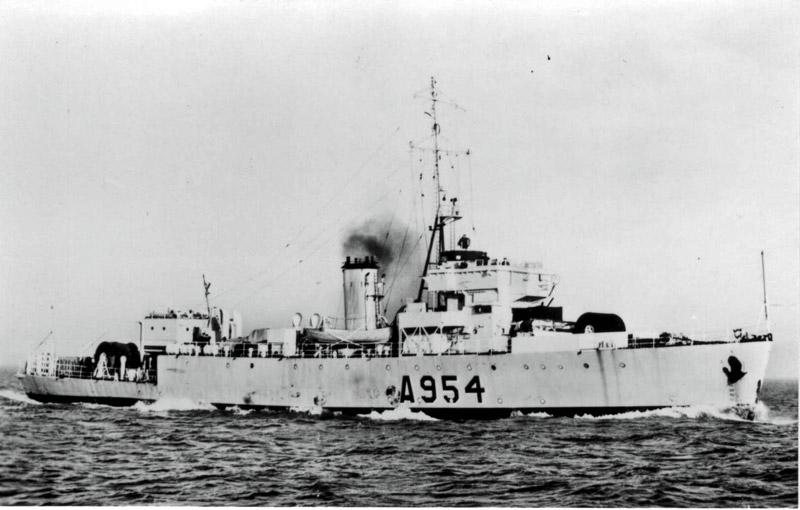 M900 / A954 Adrien De Gerlache (ex HMS Liberty) - Page 4 Zeemac11
