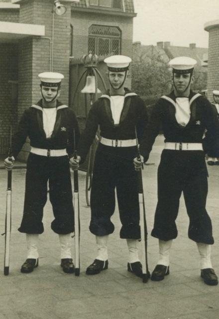 Sint-Kruis dans les années 50...   Zm_car10