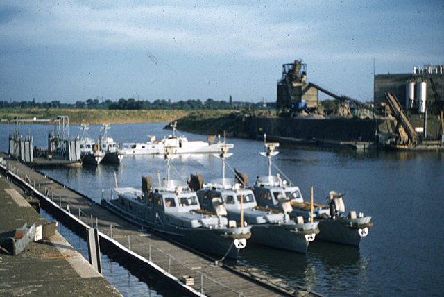 La Flottille du Rhin Zm_car22