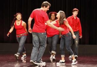 [Jeu] Glee: Tout pour la musique! - Page 3 Dont-s10