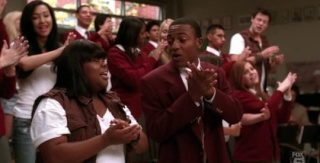 [Jeu] Glee: Tout pour la musique! - Page 3 S1e11_10